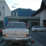 Mercedes-Benz W 110 200 D fertig zum Abtransport auf dem Autotrailer
