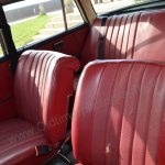 Mercedes-Benz W 110 190 Interieur-mit-durchgehdender Sitzbank hinten