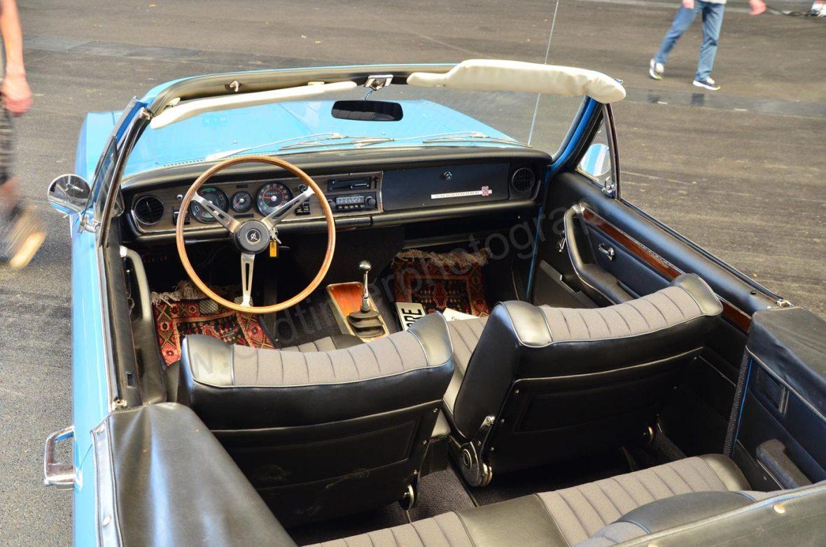 Opel Commodore A Cabriolet mit teilweise restauriertem Interieur