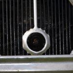 Citroën Traction Avant mit Anlasserkurbel-Öffnung zur Not noch mit der Kurbel zu starten
