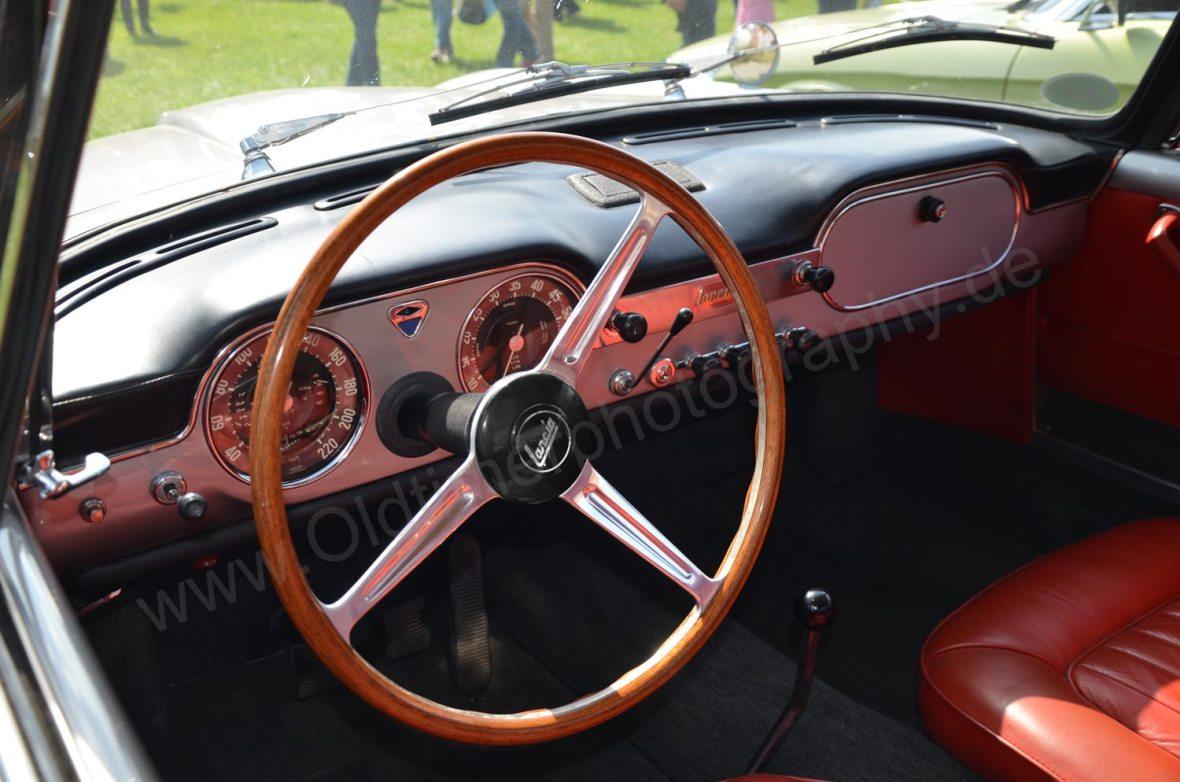 Lancia Flaminia Interieur