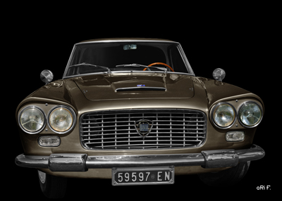 Lancia Flaminia in black & darkbrown
