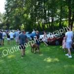Besucher au masse beim Oldtimer Picknick im Schlossgarten von Wolfegg