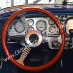 1936 Auburn 852 Supercharged Speedster Interieur mit Speichenlenkrad