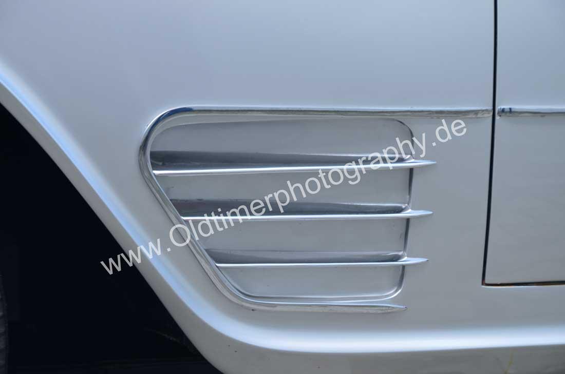 Auto Union 1000 SE millespecial Chromeverblendung als Designelement unten am vorderen Kotflügel