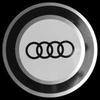 Logo Audi 100 C1 auf Radkappe