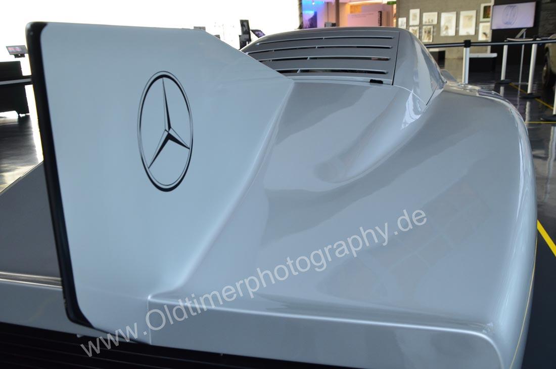 Mercedes-Benz C 111 mit zentraler Finne am Heck