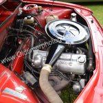 Audi 100 LS mit 100 PS wassergekühlter Vierzylinder-Viertaktreihenmotor oder Mitteldruckmotor