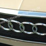 Audi 100 mit Kühlergrill aus Metall 1968–1973