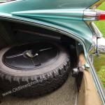 1959 Cadillac Serie 62 das Reserverrad erscheint fast etwas klein in diesem riesigen Kofferraum