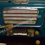 Opel Olympia Rekord mit Blaupunkt-Radio und verchromten Lautsprecher