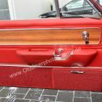 Opel Diplomat A V8 Coupé Seitentüre mit rotem Leder und Echtholzfurnier ausgekleidet