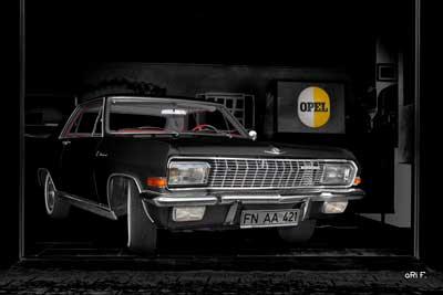 Opel Diplomat V8 Coupé in black & black
