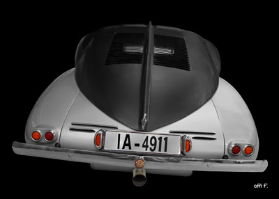 Tatra 87 in back (Originalfarbe)