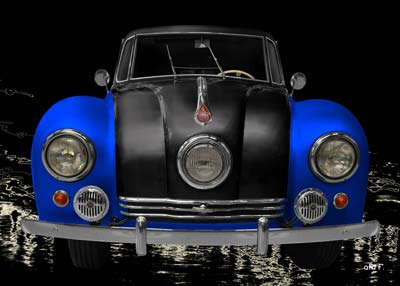 Tatra 87 in black & blue front view
