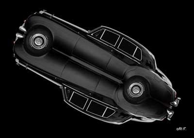 Bentley S2 in black mirror image