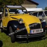 Citroen 2 CV Ente in schwarz-gelb beim Oldtimertreffen Obereisenbach