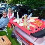 Ein Porsche-Heckspoiler wurde zum Picknick-Tisch umfunktioniert