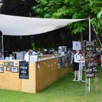Oldtimer Picknick im Hofgarten von Schloss Wolfegg mit Bar