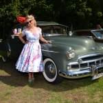 Oldtimer Picknick im Hofgarten von Schloss Wolfegg im Petticoat-Dress