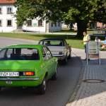 Opel Kadett C und Ford Mustang der Schloßgarten ist um 10 Uhr schon voll