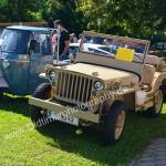 Piaggio APE und Jeep Willys MB