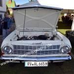 Opel Rekord A mit offener Motorhaube