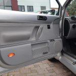 VW New Beetle Seitentür mit integrierter Stereobox und Gitternetz