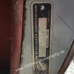 Studebaker Champion Serial-No. G 344870 an der B-Säule befestigt