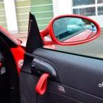 Porsche Boxster Spyder mit Türschlaufen in roter Farbe