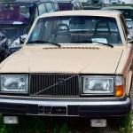 Volvo 264 DL in beige