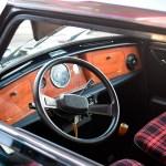 Mini 1000 Super Interieur in Echtholz und rotkarierter Stoffbezug