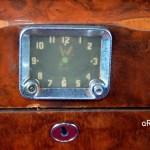 Jaguar Mark IX mit Uhr im Fondbereich