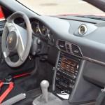 Porsche 911 GT3 3.8 Interieur mit 3-Speichen Sportlenkrad und Alcantara