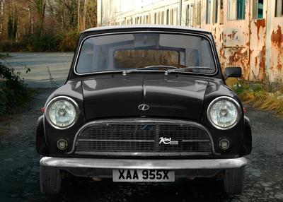 Innocenti Mini Minor 850 on street