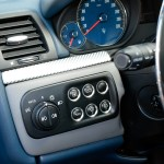 Maserati GranTurismo S mit vrschiedenen Tasten für Tanköffnung, Kofferraum usw.