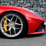 Ferrari F12 mit Michelin OUTSIDE Reifengröße 255 35 ZR 20 (97Y) vorn
