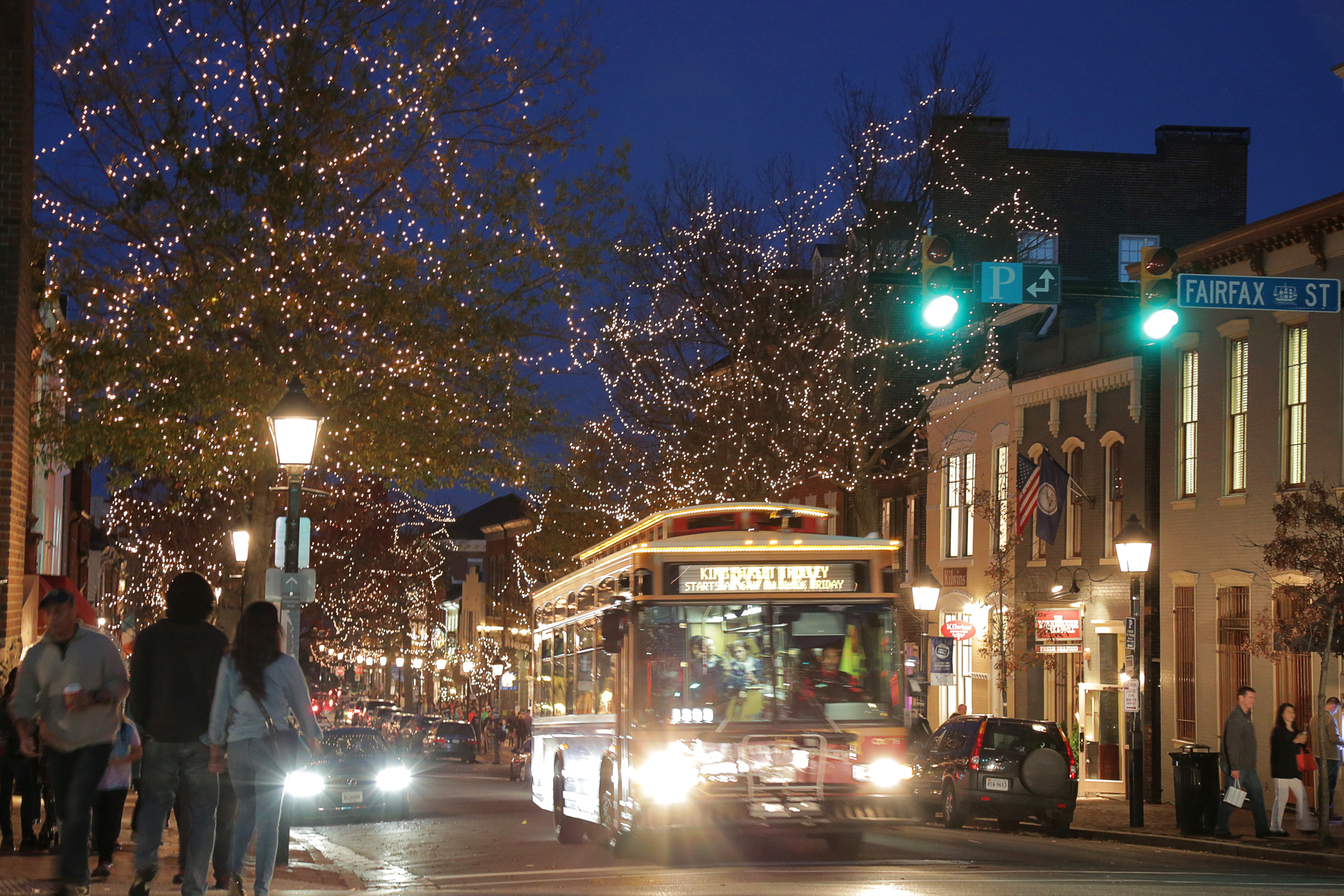 Home for the Holidays – Old Town Alexandria