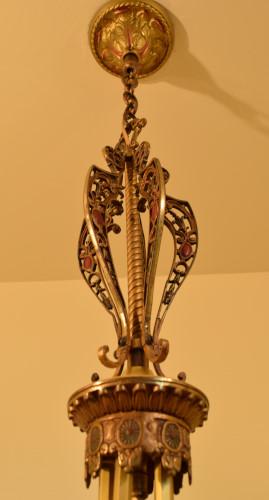 Fuchsia chandelier, full view of stem, cap