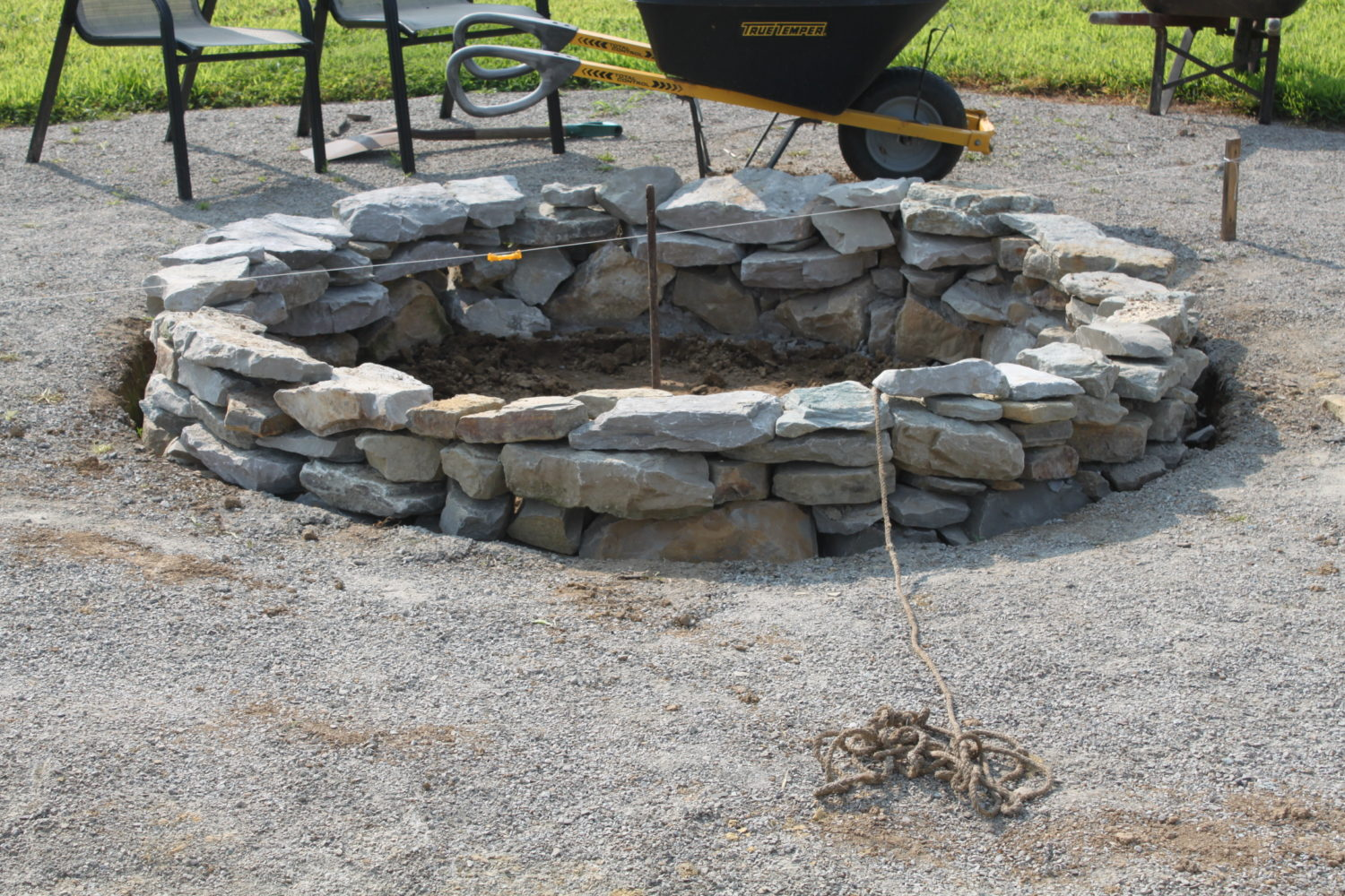 How to create a beautiful inexpensive backyard fire pit for How do i build a fire pit