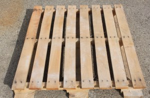 To build on the cheap, you can create the straw bale frame using the slats from a single pallet