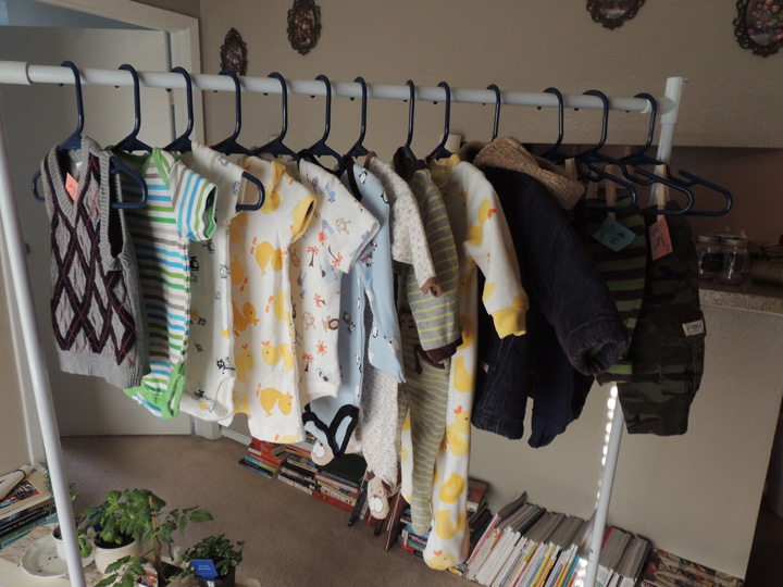 baby-clothes-thrift-store