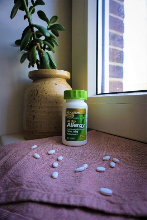low-waste allergy season - allergy pills in bulk