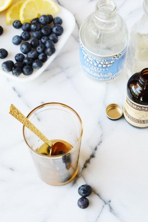 blueberry bourbon vanilla lemonade mocktail recipe