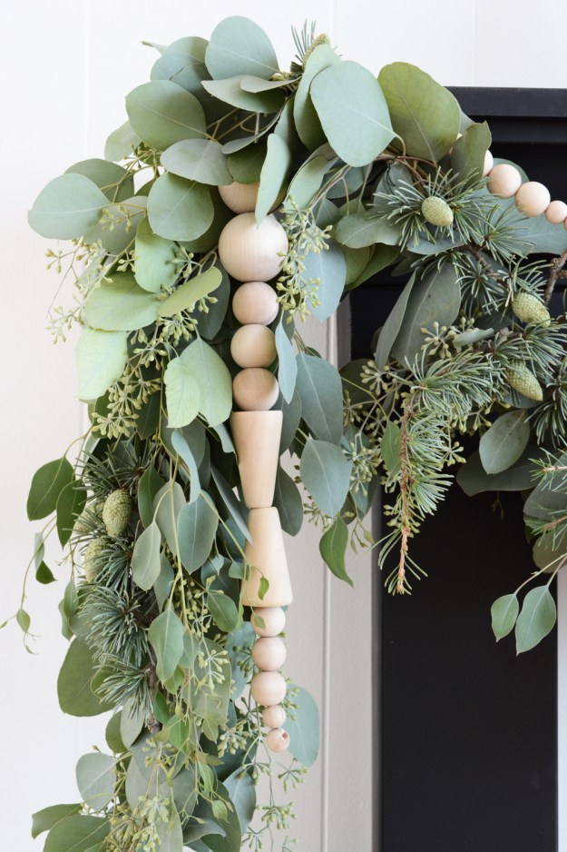 Scandinavian Wooden Bead Icicle Garland Oleander Palm