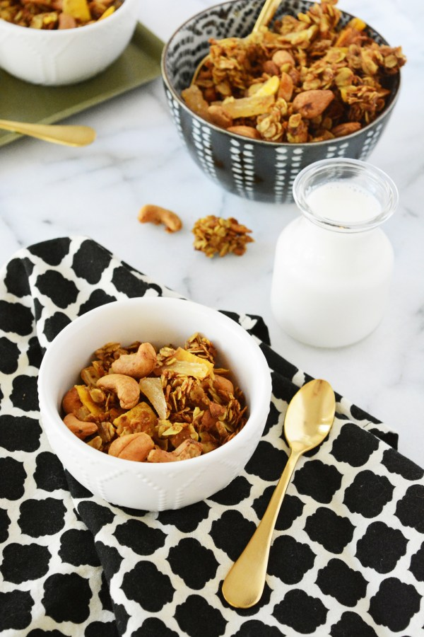 Curry coconut cashew granola. A sweet and spicy 'Night Cereal'.