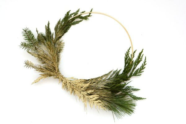 DIY Gold Winter Greenery Wreath