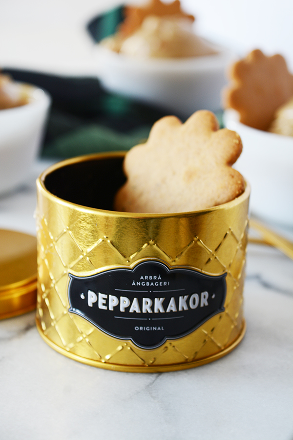 Gingerbread Ice Cream with Crystalized Ginger + Swedish Gingersnaps (Pepparkakor)