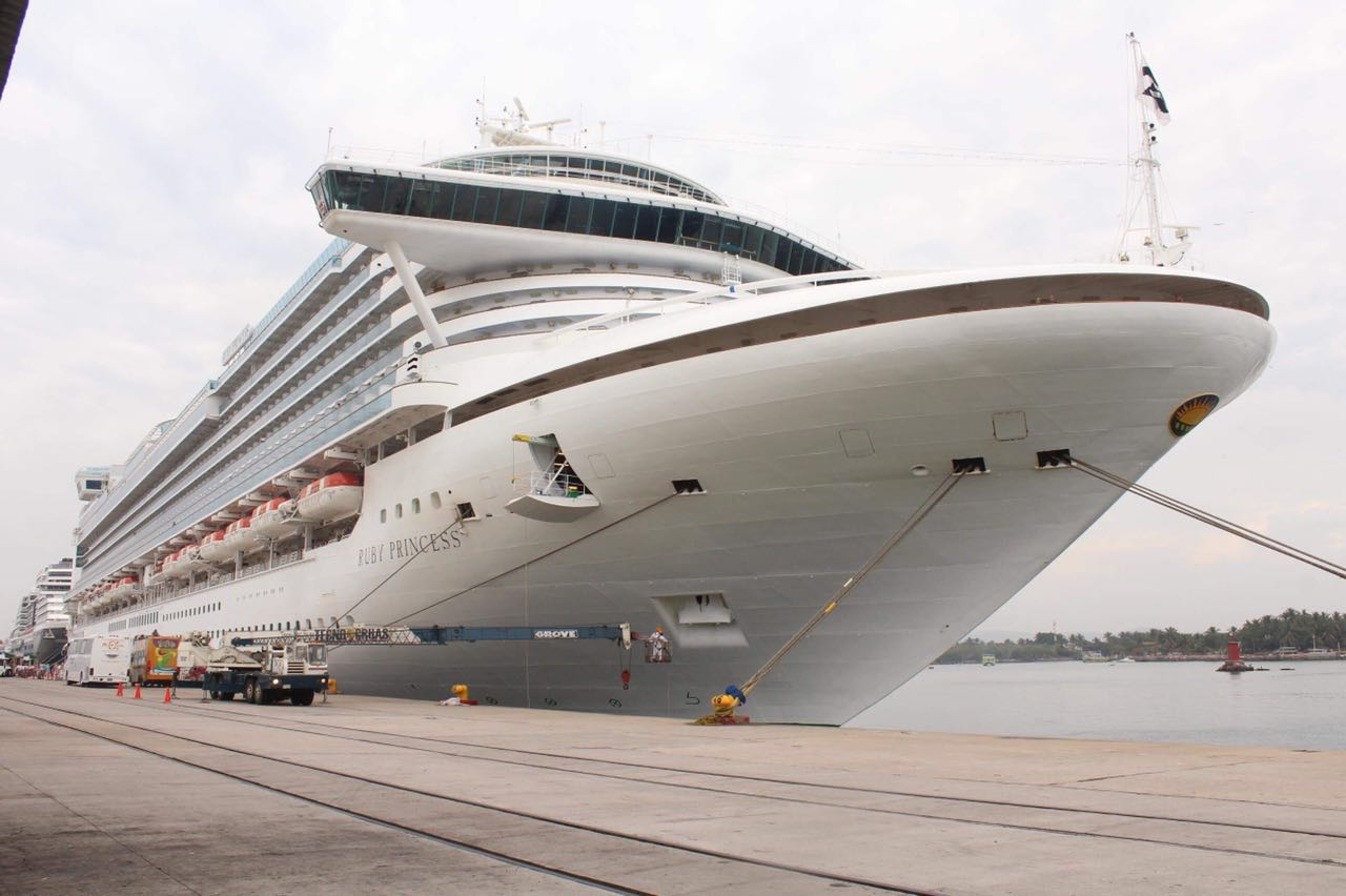 Arriban dos cruceros turísticos Mazatlán con 7 mil 073 visitantes