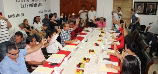 Aprueba el pleno del cabildo licencia para separarse del cargo a Rigoberto Valenzuela